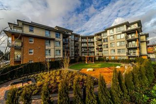"""Photo 2: 206 607 COTTONWOOD Avenue in Coquitlam: Coquitlam West Condo for sale in """"STANTON HOUSE BY POLYGON"""" : MLS®# R2243210"""