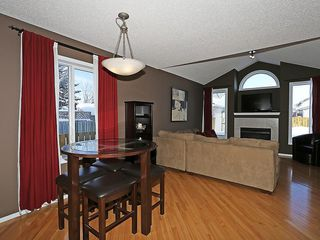 Photo 7: 100 PRESTWICK Avenue SE in Calgary: McKenzie Towne House for sale : MLS®# C4171620