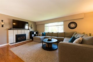 Photo 6: 4074 207A Street in Langley: Brookswood Langley House for sale : MLS®# R2311328