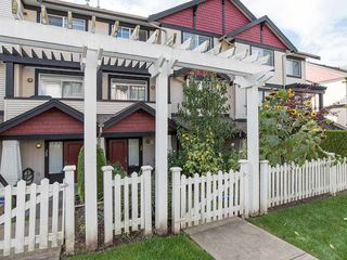 "Photo 2: 19 7168 179 Street in Surrey: Cloverdale BC Townhouse for sale in ""OVATION"" (Cloverdale)  : MLS®# R2311901"