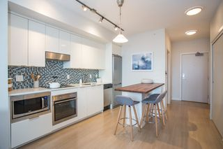 """Photo 2: 309 2788 PRINCE EDWARD Street in Vancouver: Mount Pleasant VE Condo for sale in """"Uptown"""" (Vancouver East)  : MLS®# R2320863"""