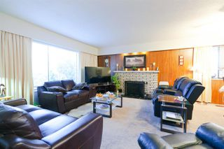 "Photo 4: 3570 3572 DOUGLAS Road in Burnaby: Central BN House Duplex for sale in ""CENTRAL (CANADA WAY & DOUGLAS)"" (Burnaby North)  : MLS®# R2326558"
