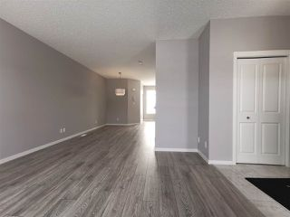 Photo 2: 6315 170 Avenue in Edmonton: Zone 03 House for sale : MLS®# E4143190