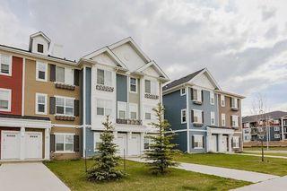 Photo 1: 27 2803 JAMES MOWATT Trail in Edmonton: Zone 55 Townhouse for sale : MLS®# E4146448