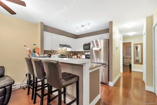Photo 6: 90 6588 SOUTHOAKS Crescent in Burnaby: Highgate Townhouse for sale (Burnaby South)  : MLS®# R2348291