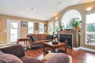Photo 3: 19910 48TH Avenue in Langley: Langley City House for sale : MLS®# R2351473