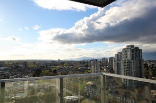 """Photo 9: 1902 5665 BOUNDARY Road in Vancouver: Collingwood VE Condo for sale in """"Wall Centre Central Park"""" (Vancouver East)  : MLS®# R2355553"""