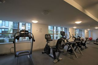 """Photo 15: 1902 5665 BOUNDARY Road in Vancouver: Collingwood VE Condo for sale in """"Wall Centre Central Park"""" (Vancouver East)  : MLS®# R2355553"""