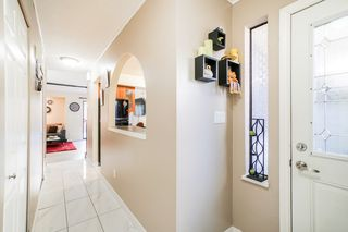 Photo 3: 9 9955 140 Street in Surrey: Whalley Townhouse for sale (North Surrey)  : MLS®# R2355056
