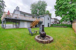 Photo 2: 19737 48A Avenue in Langley: Langley City House for sale : MLS®# R2369413