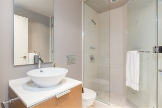 """Photo 17: 2201 1111 ALBERNI Street in Vancouver: West End VW Condo for sale in """"SHANGRI-LA RESIDENCES"""" (Vancouver West)  : MLS®# R2370104"""