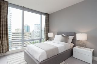 """Photo 16: 2201 1111 ALBERNI Street in Vancouver: West End VW Condo for sale in """"SHANGRI-LA RESIDENCES"""" (Vancouver West)  : MLS®# R2370104"""