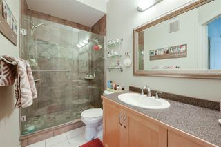 Photo 18: 9842 112 Street in Edmonton: Zone 12 House Half Duplex for sale : MLS®# E4157020