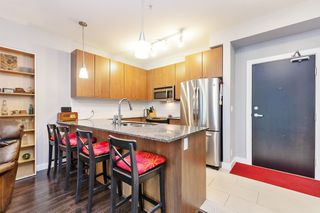 Photo 6: 106 240 FRANCIS Way in New Westminster: Fraserview NW Condo for sale : MLS®# R2372525