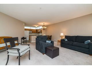 "Photo 9: 215 11605 227 Street in Maple Ridge: East Central Condo for sale in ""Hillcrest"" : MLS®# R2372554"