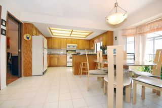 Photo 5: 768 West 63rd Ave in Vancouver: Marpole Home for sale ()  : MLS®# V661535