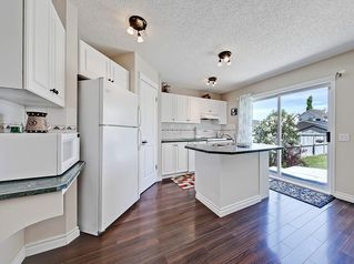Photo 10: 22 Prestwick Grove SE in Calgary: McKenzie Towne Detached for sale : MLS®# C4245886