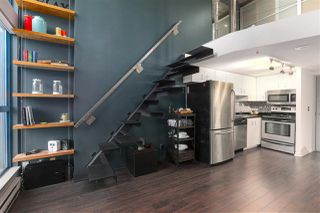 """Photo 3: 214 1238 SEYMOUR Street in Vancouver: Downtown VW Condo for sale in """"SPACE"""" (Vancouver West)  : MLS®# R2396052"""