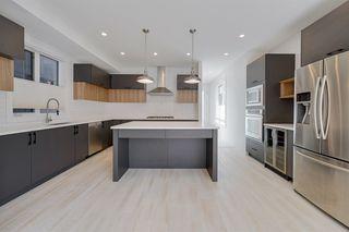 Photo 2: 9405 146 Street in Edmonton: Zone 10 House for sale : MLS®# E4172089
