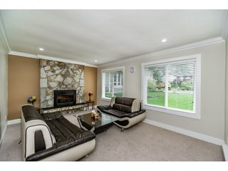 Photo 5: 7910 126A Street in Surrey: West Newton House for sale : MLS®# R2446847