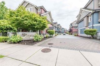 """Photo 1: 22 9628 FERNDALE Road in Richmond: McLennan North Townhouse for sale in """"SONATA PARK/MCLENNAN NORTH"""" : MLS®# R2466644"""