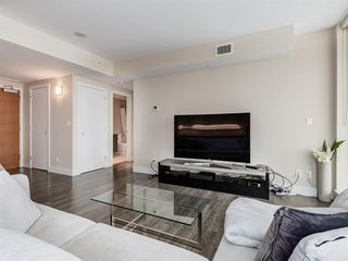 Photo 9: 1301 519 RIVERFRONT Avenue SE in Calgary: Downtown East Village Apartment for sale : MLS®# A1035711