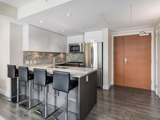Photo 5: 1301 519 RIVERFRONT Avenue SE in Calgary: Downtown East Village Apartment for sale : MLS®# A1035711