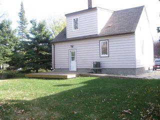 Photo 2: 39 Millfield Drive in WINNIPEG: St Vital Residential for sale (South East Winnipeg)  : MLS®# 1121256