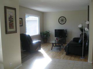 Photo 3: 39 Millfield Drive in WINNIPEG: St Vital Residential for sale (South East Winnipeg)  : MLS®# 1121256
