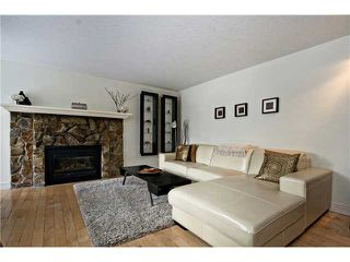 Photo 5: 175 77 GLAMIS Green SW in CALGARY: Glamorgan Townhouse for sale (Calgary)  : MLS®# C3605788