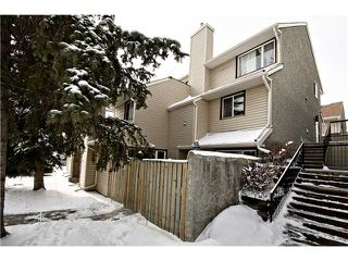 Photo 1: 175 77 GLAMIS Green SW in CALGARY: Glamorgan Townhouse for sale (Calgary)  : MLS®# C3605788