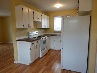 Photo 3: 43 DOVERGLEN Crescent SE in CALGARY: Dover Glen Residential Detached Single Family for sale (Calgary)  : MLS®# C3617661
