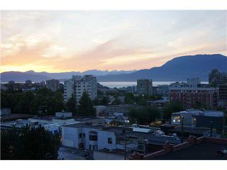 """Photo 1: 901 1468 W 14TH Avenue in Vancouver: Fairview VW Condo for sale in """"AVEDON"""" (Vancouver West)  : MLS®# V1087489"""