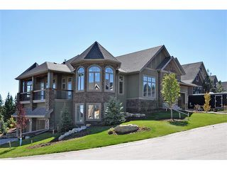 Photo 1: 35 ELVEDEN Place SW in Calgary: Springbank Hill House for sale : MLS®# C3650760