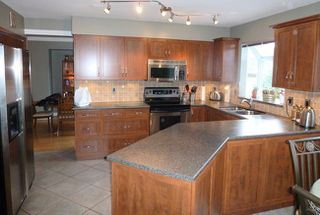 Photo 2: 1415 Mountainview Crt in Coquitlam: Home for sale