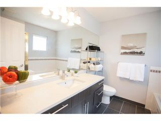"""Photo 8: 5790 149TH Street in Surrey: Sullivan Station House for sale in """"PANORAMA VILLAGE"""" : MLS®# F1444587"""