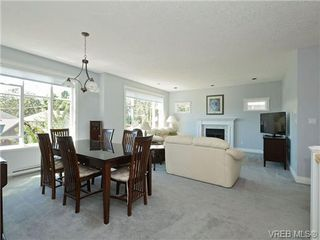 Photo 11: 845 Rogers Way in VICTORIA: SE High Quadra Single Family Detached for sale (Saanich East)  : MLS®# 709072