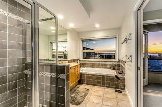 Photo 8: 15352 VICTORIA Avenue: White Rock House for sale (South Surrey White Rock)  : MLS®# R2022823