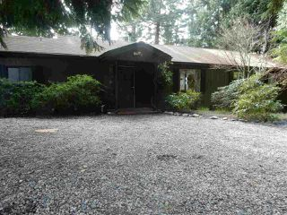 Photo 2: 8045 REDROOFFS Road in Halfmoon Bay: Halfmn Bay Secret Cv Redroofs House for sale (Sunshine Coast)  : MLS®# R2040225