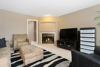 Photo 11: 6048 189A Street in Surrey: Cloverdale BC House for sale (Cloverdale)  : MLS®# R2054243