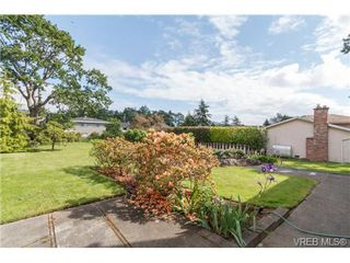 Photo 20: 964 Nicholson St in VICTORIA: SE Lake Hill Single Family Detached for sale (Saanich East)  : MLS®# 732243