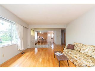 Photo 6: 964 Nicholson St in VICTORIA: SE Lake Hill Single Family Detached for sale (Saanich East)  : MLS®# 732243
