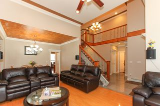 Photo 3: 27989 TRESTLE Avenue in Abbotsford: Aberdeen House for sale : MLS®# R2083139