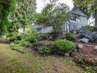 Photo 3: 3889 DALKEITH Drive in North Vancouver: Upper Lonsdale House for sale : MLS®# R2098321