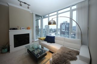 Photo 2: 2809 660 NOOTKA Way in Port Moody: Port Moody Centre Condo for sale : MLS®# R2128046