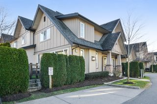 "Photo 3: 22 2501 161A Street in Surrey: Grandview Surrey Townhouse for sale in ""HIGHLAND PARK"" (South Surrey White Rock)  : MLS®# R2135777"