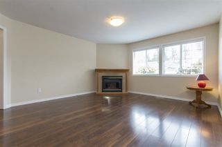"Photo 2: 16 5051 203 Street in Langley: Langley City Townhouse for sale in ""Meadowbrook Estates"" : MLS®# R2163676"