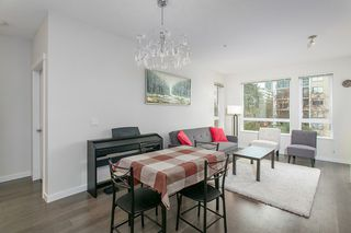 Photo 5: 307 717 Chesterfield Avenue in North Vancouver: Central Lonsdale Condo for sale : MLS®# R2138439