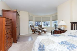 Photo 11: 301 11 Cooperage Pl in VICTORIA: VW Songhees Condo for sale (Victoria West)  : MLS®# 764220