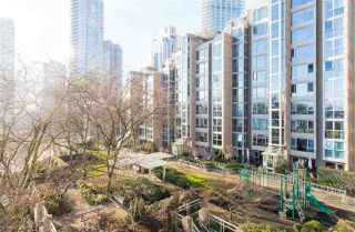"""Photo 2: 502 388 DRAKE Street in Vancouver: Yaletown Condo for sale in """"GOVERNORS TOWER"""" (Vancouver West)  : MLS®# R2231904"""